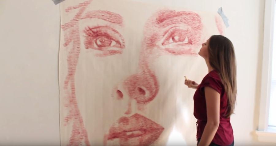 Retrato hecho con besos pintados